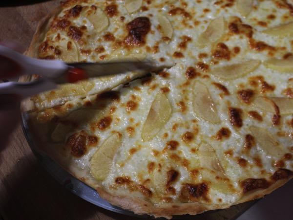 pizza gorgonzola pomme