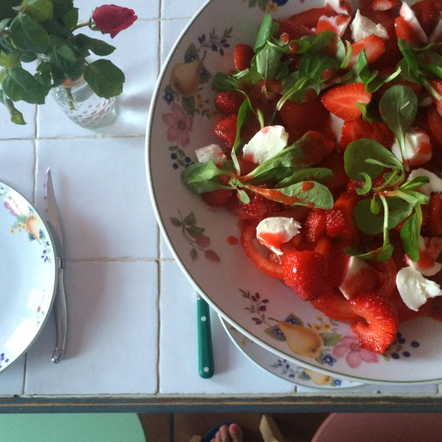 Salade mozzarella fraises